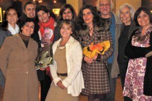 A editora By the Book com a autora, tradutor e anfitriãs, no dia do lançamento d…