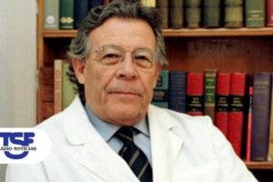 A história que faltava sobre a medicina em Portugal no século XX