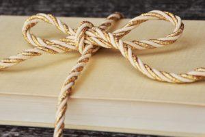 Amanhã a By the Book estará na Eilar (Av. Ilha da Madeira, 30-A), uma oportunida…