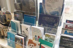 Digam lá qual é o nosso livro que se encontra na loja do Museu de Marinha?  #pri…