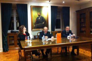 """Está a começar o lançamento do livro """"Escola Médica de Salerno"""" de Meyrelles de …"""