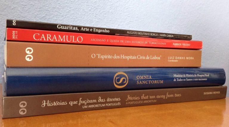 Livros que estarão na feira de amanhã, no Jardim Botânico do Museu Nacional de H…