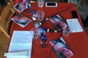 Sábado passado tivemos o lançamento do livro de poesia « Livro Venenoso » de Edu…