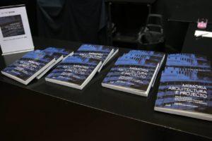 Título coordenado por António Santos Leite e Ana Marta Feliciano, docentes da Fa…