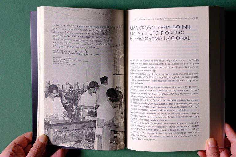 interior do livro sobre António de Magalhães Ramalho