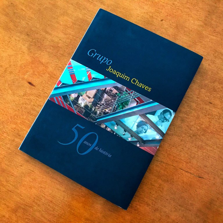 capa do livro comemorativo Grupo Joaquim Chaves