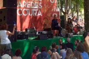 Livro Venenoso no Festival de Paredes de Coura!  O vocalista dos GNR, Rui Reinin…
