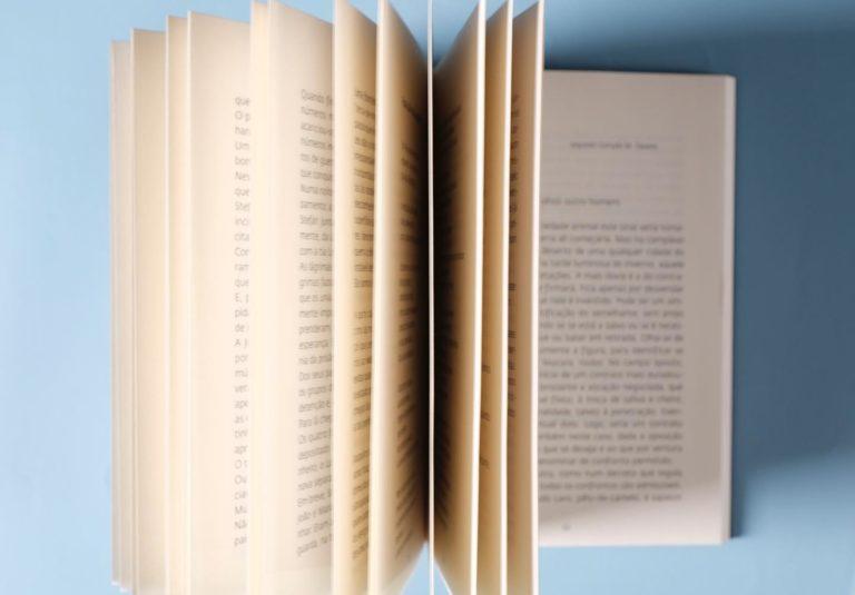 Hoje comemora-se o Dia Mundial do Livro, um objecto que faz parte das nossas vid…