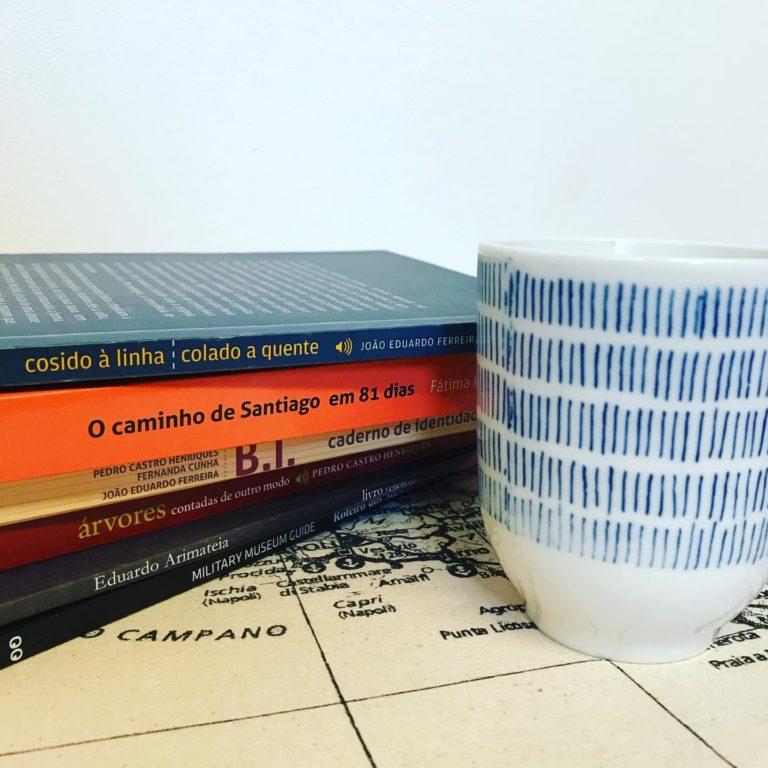Já escolheu o livro para acompanhar o seu café? . . . #bythebookedicoesespe…
